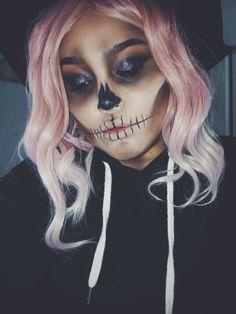 Skull makeup.. @makeupbyitzamet