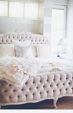 Darling Decor | 10 Most Pretty & Inspirational Bedroom Must Haves... - http://centophobe.com/darling-decor-10-most-pretty-inspirational-bedroom-must-haves-2/ -