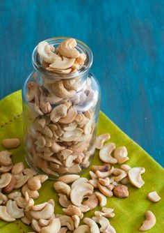 Sour Cream & Onion Cashews - With a bowl of sour cream and onion cashews at your side, you may never crave carb-loaded snacks again! They're low carb, gluten-free, and full of flavor.