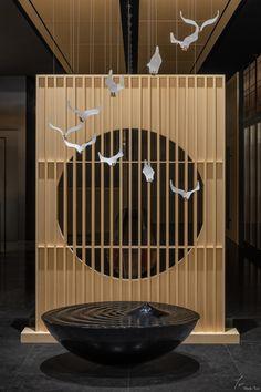 Japanese Restaurant Interior, Architecture Restaurant, Japanese Interior, Spa Interior, Decor Interior Design, Interior Decorating, Japanese Shop, Japanese Design, Bar Restaurant Design
