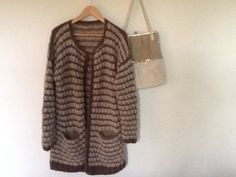 Mariajakken fra Skappelstrikk Knit Crochet, Fur Coat, Knitting, Jackets, Inspiration, Fashion, Tricot, Biblical Inspiration, Moda