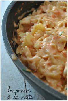 crémeuses au poulet (One pot pasta) Farfalle crémeuse au poulet one pot pastaFarfalle crémeuse au poulet one pot pasta One Pot Chicken, One Pot Pasta, Pasta Farfalle, Pasta Plus, Salty Foods, Food Porn, Cooking Recipes, Healthy Recipes, One Pot Meals