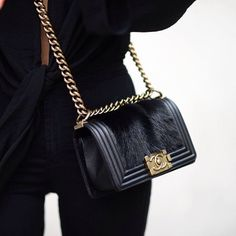 Shop Authentic Vintage & New Chanel Bags, Shoes, Clothing, &. Chanel Handbags, Leather Handbags, My Bags, Purses And Bags, Handbag Accessories, Fashion Accessories, Use E Abuse, Estilo Rock, Looks Street Style