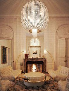 Pour son hôtel particulier parisien, le musicien Lenny Kravitz a inventé un nouveau classicisme, soul et glamour.