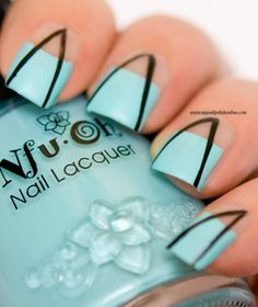 Abstract Nail Art with negative Spaces