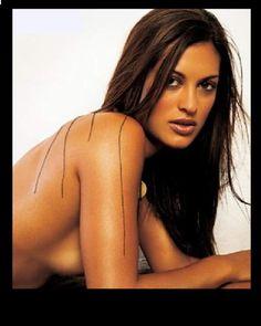 Sheena halili nude pics