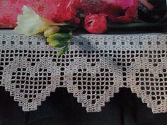 Luty Artes Crochet: Barrados l Filet Crochet, Crochet Doily Rug, Crochet Lace Edging, Crochet Curtains, Crochet Borders, Crochet Cross, Crochet Diagram, Crochet Home, Crochet Trim