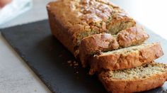 Banana Bread - Baked goods do not have to be a guilty pleasure! When the right ingredients are selected, you can turn sweets into a delicious and nutritious snack option. Vegan Banana Bread, Vegan Bread, Banana Bread Recipes, Vegan Foods, Vegan Snacks, Vegan Sweets, Vegan Desserts, Feel Good Food, Nutritious Snacks