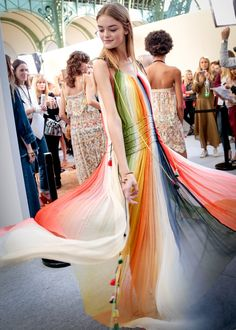 Chloé's Colorful and Free Spring Spirit - For spring/summer 2016, Clare Waight Keller reimagined the Chloé girl codes in - The New York Times