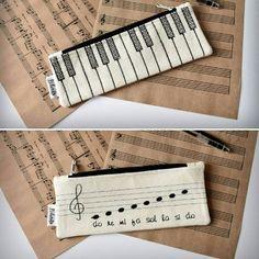 💁Muzyczne #eko piorniki 🎼🎶🎹👝👜👛 #nelamiko #takemeonajourney #pencilcase #pencil #music #melody #tune #tone #keyboard #musicalnotes #clef #backtoschool #style #blackandwhite #black #white #oldschool #retro #eco #handmade #handcrafted #creative #loveit #musthave #foryou #picoftheday Old School, Back To School, Keyboard, Musicals, Black White, Pencil, Notes, Retro, Creative