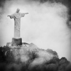 'Christus de Verlosser', het Jezusbeeld in Rio de Janeiro. 'Rio' is een hot in 2013! https://www.hotelkamerveiling.nl
