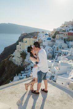 #topsantoriniphoto #santorinigreece #santorinioia #santoriniphotoshoot #santorinibride #photosessionsantorini #couplesshootsantorini #lovestorysantorini #imerovigli #sunsetsantorini #santorini_lover #proposalinsantorini