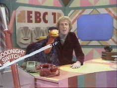 Rod Hull and Emu . Rod Hull, Kids Tv Programs, 1980s Tv, Retro Kids, Kids Tv Shows, My Childhood Memories, Old Tv, Classic Tv, My Memory