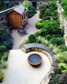 Urban Garden Design Eton Terrace garden, designed by Carolyn Grohmann, built by Water Gems, Urbis lily bowl Back Gardens, Small Gardens, Outdoor Gardens, Roof Gardens, Terrace Garden Design, Small Garden Design, Urban Garden Design, Garden Modern, Garden Makeover