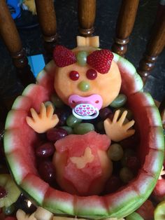 Watermelon girl baby shower fruit tray baby shower Entrees and More Art Gallery Baby Shower Fruit Tray, Baby Shower Snacks, Baby Fruit, Baby Shower Fun, Baby Shower Gifts, Baby Showers, Bridal Showers, Fruit Basket Watermelon, Watermelon Girl