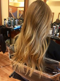 30 Beautiful Balayage Highlight and Perfect Hair Color to Try 2019 If you're a sultry brunette, odds are you love your normal hair color and don't need to change it drastically. Copper Blonde Hair Color, Blonde Hair Looks, Brown Blonde Hair, Hair Color Balayage, Blonde Balayage, Hair Highlights, Ombre Hair, Chunky Highlights, Color Highlights