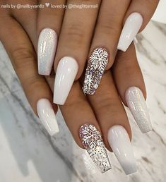 Here are the best Christmas acrylic nail designs, cute Christmas nails 2 ., Here are the best Christmas acrylic nail designs, cute 2018 Christmas nails, and 2018 red Christmas nails that we have chosen to inspire you! Cute Christmas Nails, Christmas Nail Art Designs, Xmas Nails, Holiday Nails, Christmas Acrylic Nails, White Christmas, Christmas Holiday, Chistmas Nails, Christmas Design