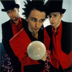 Muse.  Old-school Hullabaloo photo shoot!