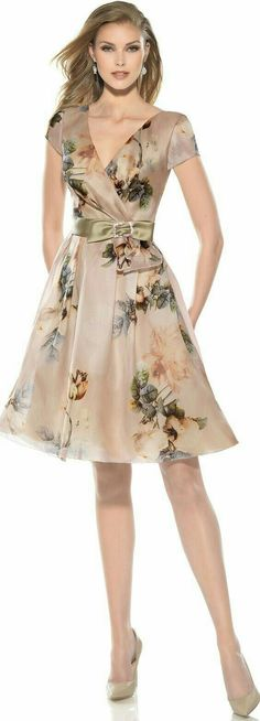 ideas for dress floral outfit beautiful Trendy Dresses, Elegant Dresses, Cute Dresses, Beautiful Dresses, Short Dresses, Fashion Dresses, Boho Beautiful, Beautiful Legs, Beautiful Women