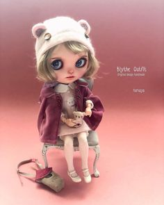 Blythe Dolls, Beautiful Dolls, Doll Clothes, Disney Characters, Fictional Characters, Auction, Teddy Bear, Photo And Video, Christmas Ornaments