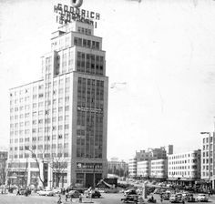 Corcuera Building on Reforma Avenue circa 1943. Demolished in 1957 after the earthquake.