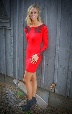 A Blonde Ambition: Pics from Maude Boutique Photo Shoot!