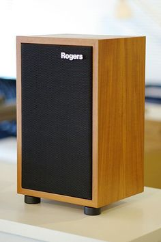 Rogers Small in size but a reference none the less Audiophile Speakers, Hifi Audio, Stereo Speakers, Monitor Speakers, Wooden Speakers, Sound Speaker, Audio Room, Speaker Design, Audio Equipment