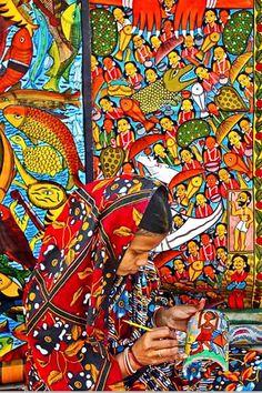 Folk artist , Kolkata (Calcutta) India Handicraft Fair.