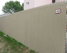 Chain Link Fence Privacy Windscreens | Chain-Link Privacy Inserts