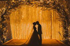 Decoração cerimônia casamento luzinhas ( Decoração: Lais Aguiar | Foto: © Marina Lomar Fotografia )
