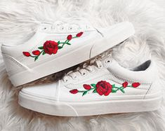 Rose Buds Red on Real White Unisex Custom Rose Embroidered Patch Vans Old-Skool Sneakers Men and Women Size Available (Please select your size carefully - list is in US size.) They are real Vans sneak Vans Sneakers, Vans Authentiques, Vans Shoes, Vans Men, Red Vans, Vans Old Skool, Nike Air Max, Nike Air Force, Nike Sb