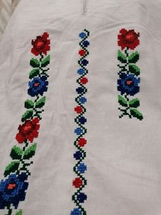 Floral Tie, Costumes, Embroidery, Crochet Pillow Covers, Towels, Bugle Beads, Roses, Flowers, Manualidades