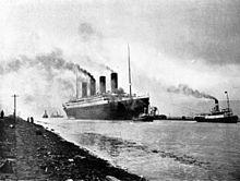 El RMS Titanic zarpando de Belfast, 2 de abril de 1912.