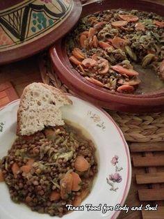 Heerlijk stoofgerecht van linzen, prei, wortel en verwarmende kruiden. Een licht verteerbaar vegetarisch stoofgerecht, boordevol gezonde en smaakvolle elementen. Ingrediënten voor ongeveer 4...