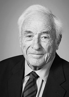 """Willard Boyle – was a Canadian physicist and co-inventor of the charge-coupled device. He was born in Amherst, Nova Scotia. He shared the 2009 Nobel Prize in Physics for """"the invention of an imaging semiconductor circuit—the CCD sensor"""". Royal Canadian Navy, I Am Canadian, Royal Navy, Alfred Nobel, Nobel Prize In Physics, Nobel Prize Winners, Academy Of Sciences, Iconic Photos, Physicist"""