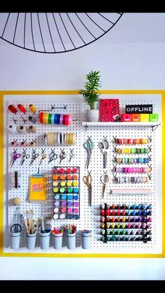 Pegboard Organization, Pegboard Craft Room, Craft Paint Storage, Home Office Organization, Organisation Ideas, Craft Room Organizing, Office Storage Ideas, Ikea Pegboard, Craft Rooms
