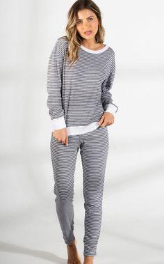 Sleepwear Women, Women's Sleepwear, Colorful Fashion, Pjs, Ideias Fashion, Collections, Sport Fashion, How To Dress Cool, Nightgown