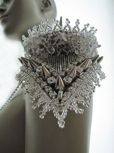 VIVA LA REVERIE / shoulder embellishment