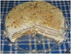 Existem várias vertentes do famoso bolo de bolacha: umas receitas incluem natas e outras chocolate. Mas o bolo de bolacha tradicional continua a ser o mais saboroso.