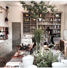 @Biskopsgarden Kitchen Dining, Dining Room, Au Natural, Kitchens, Table Settings, Inspiration, Design, Biblical Inspiration, Cuisine