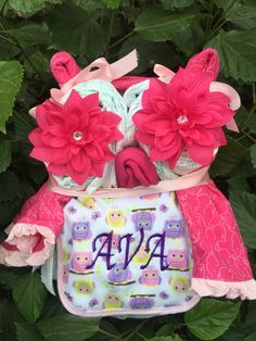 Cute baby shower gift idea ~ $39.95 Owl diaper cake personalized by Becca's Bows on Etsy