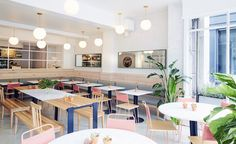 The growing, health-oriented restaurant chain Dig Inn, has taken its nutritious offering to Boston with an appropriately stylish home designed by ASH NYC.