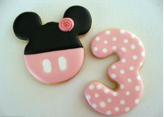 Minnie cookies by Belleissimo Cookies