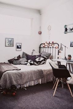 bohemian room in Paris (via Vosgesparis) - my ideal home...