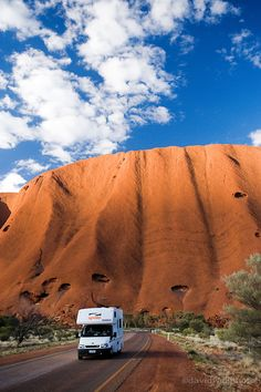 Uluru / Ayers Rock, Uluru - Kata Tjuta National Park, World Heritage Area, Northern Territory, Australia