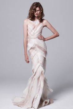 Mendel Resort 2014 - Runway Photos - Fashion Week - Runway, Fashion Shows and Collections - Vogue Look Fashion, Runway Fashion, High Fashion, Fashion Show, Fashion Design, Bridal Fashion, Dress Fashion, Dress Couture, Evening Dresses
