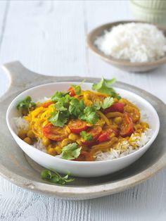 Tohle nádherně barevné jídlo prozáří i ten nejpošmournější večer! Curry, Good Food, Food And Drink, Menu, Ethnic Recipes, Asia, Bulgur, Menu Board Design, Curries