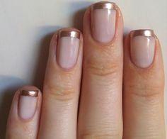 Simple Gold stripes NailArt