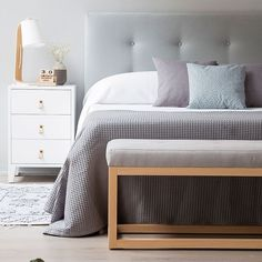 Dixon cabecero tapizado Bedroom Bed Design, Bedroom Inspo, Home Bedroom, Bedroom Decor, Master Bedroom, Small Apartment Bedrooms, Headboards For Beds, New Room, Living Room Decor