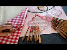 Videos, Lace, Bobbin Lace, Papillons, Embroidery
